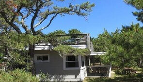 Ebbtide by the beach 3 bedroom, sleeps 6-available week of August 26