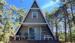 Robin, 2 bedroom, sleeps 6-available week of August 20