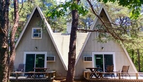 Sparrow and Towhee, 2 bedrooms, sleeps 4
